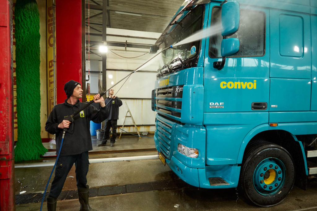 Truck wash eindhoven truckstop 8 also for camper vans the truck wash solutioingenieria Gallery